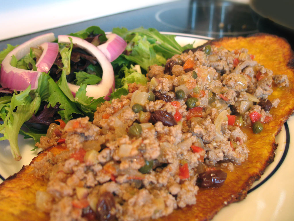 "Turkey Picadillo on Plantain ""Surfboards"" » We [Heart] Food"