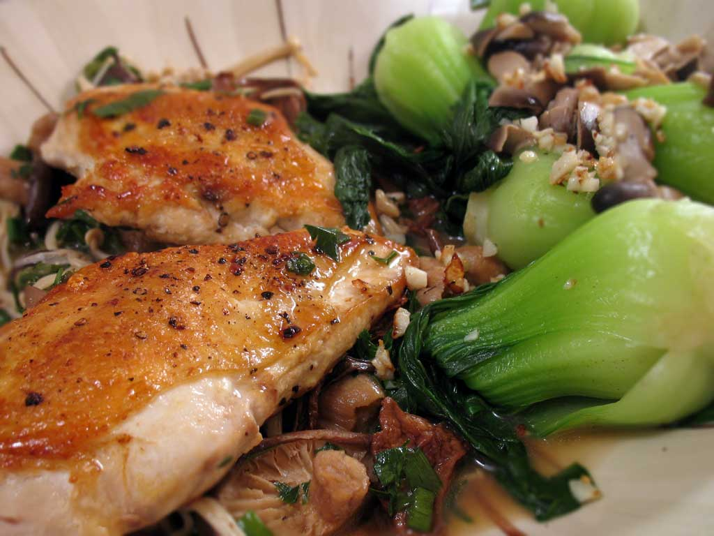 Chicken and Baby Bok Choy Shroom-stravaganza! » We [Heart] Food